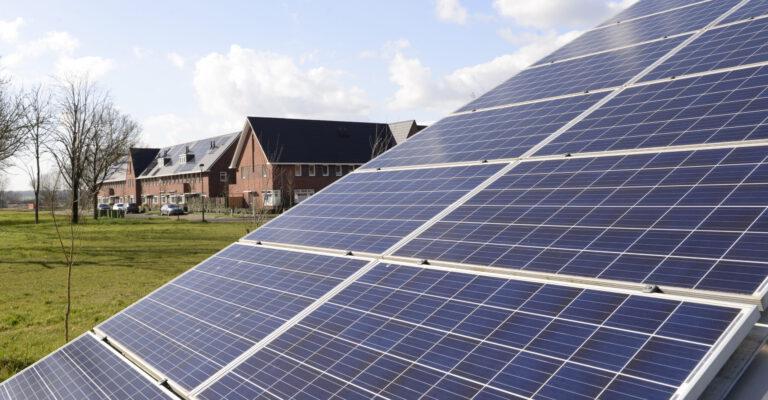 Een groep 'boeren, burgers en buitenlui' pleit voor een 'Binnenveldse Energie Strategie'